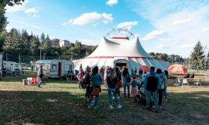 Cuneo, Zoe torna in città: un mese di eventi e spettacoli artistici alle porte del Parco Fluviale