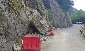 Valle Stura, smottamento lungo la strada per Sant'Anna di Vinadio