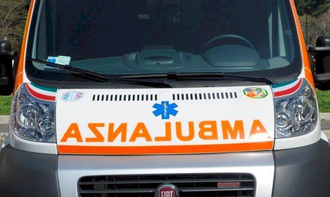 Savigliano, si schianta contro un muro alla guida dell'auto: è grave