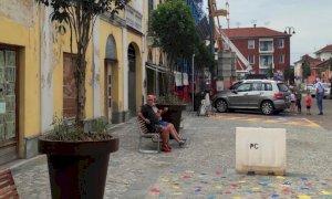 Busca, il riammodernamento di piazza Savoia si completa con i grandi vasi sul lato edifici