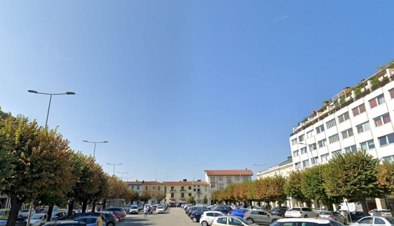 Bra, modifiche temporanee alla viabilità in via Valfrè e piazza Carlo Alberto