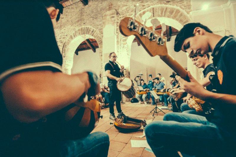 Occit'amo dedica una giornata a ghironda e cornamusa in Valle Maira