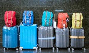 Covid, il cambio di colore dei Paesi Ue frena le vacanze di 1,5 milioni di italiani