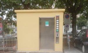 Dogliani, nuovi bagni pubblici in piazza Einaudi