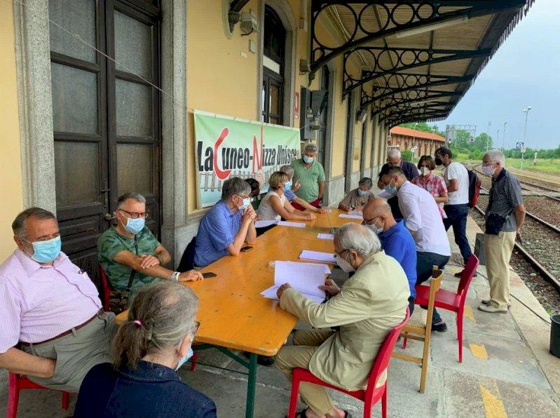 Un'immagine dell'incontro dello scorso mercoledì 7 luglio in Birrovia