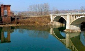 Senso unico alternato per lavori sul ponte di Pollenzo