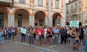 Anche a Cuneo la protesta contro il Green Pass: oltre 500 persone in largo Audiffredi