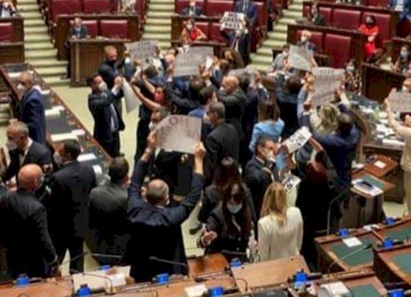 """FdI protesta contro il Green Pass alla Camera, Gribaudo (PD): """"Sceneggiate di cui non si sente il bisogno"""""""