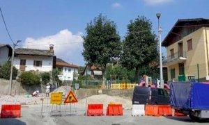 Rifreddo, si completa l'area rialzata davanti all'asilo comunale