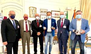 """""""La carica"""" dei Bersaglieri accolta in Regione dal Governatore Alberto Cirio"""
