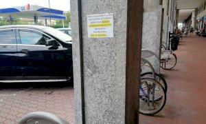 """""""Attenti ai ladri di biciclette"""": l'insolito avviso compare in corso Nizza"""