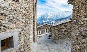 Incentivi per chi sceglie di abitare in montagna, Uncem:
