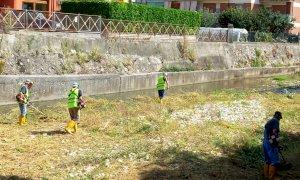 Beinette, volontari della Protezione Civile hanno ripulito il letto del torrente Josina