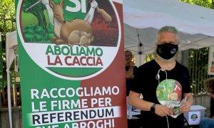 Tornano i banchetti per il referendum sull'abolizione della caccia