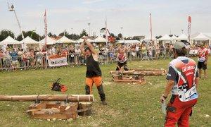 """I campioni del """"Triathlon del Boscaiolo"""" si sfidano alla Mostra della Meccanica Agricola di Saluzzo"""