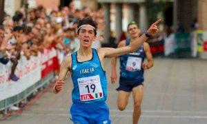 Nicolò Gallo vince a Oderzo sotto gli occhi della medaglia d'oro olimpica Massimo Stano