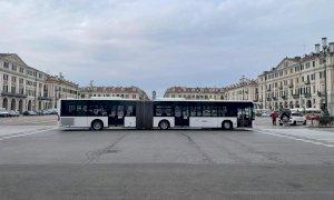 Bus Company potenzia il servizio per gli studenti con un autobus 18 metri