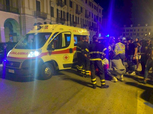 Cuneo, incidente tra auto e scooter in piazza Galimberti: ferito un giovane