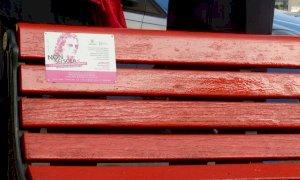Cuneo, in contrada Mondovì una nuova panchina rossa