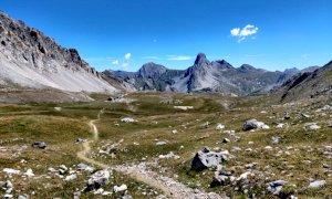 Domani musica in alta valle Maira dal Colle del Preit di Canosio al rifugio della Gardetta con la Bandia