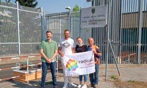 I Radicali raccolgono firme per il referendum sull'eutanasia nelle carceri