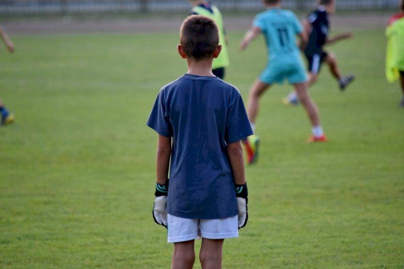 Atti sessuali su minori a Centallo, a giudizio un ex allenatore di calcio