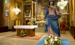 Bra, nella chiesa dei Battuti Neri si espone l'Addolorata per la memoria liturgica del 15 settembre