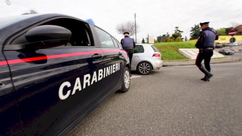Ventenne residente nella Granda arrestato per una serie di furti nell'Ascolano
