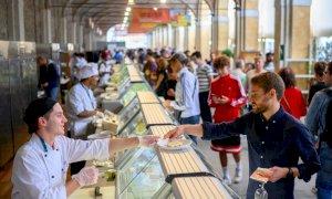 Il Piemonte inaugura un'unità vaccinale per i grandi eventi: vaccino e tampone gratuito per il Green Pass