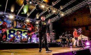 Il doppio concerto di Max Pezzali ha chiuso l'estate fossanese