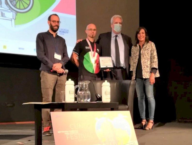 Un riconoscimento della Provincia al campione paralimpico Diego Colombari