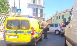 Genola, incidente in via Roma: coinvolte due auto