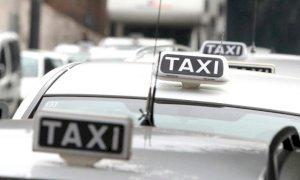 """Il trasporto a chiamata di GrandaBus non piace ai tassisti: """"È concorrenza sleale"""""""