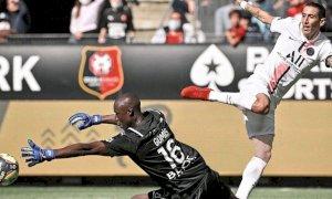 Calcio, la prima sconfitta del PSG di Messi arriva contro il Rennes di Alfred Gomis
