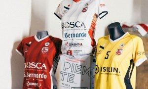 """Volley, ecco le nuove divise della Bosca San Bernardo: """"Un omaggio alla città di Cuneo"""""""