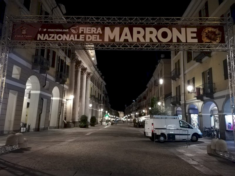 Unità mobili vaccinali anche alla Fiera del Marrone di Cuneo