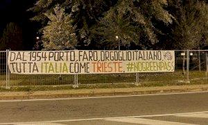 Anche a Cuneo e Alba striscioni di CasaPound a sostegno dei portuali di Trieste