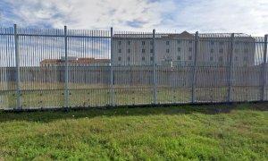 Guerra tra bande nel carcere di Cuneo: danni e celle inagibili dopo due giorni di scontri