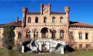 Buona la quarta: ora la villa neogotica di Marene ha un nuovo proprietario. Diventerà una struttura ricettiva?
