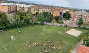 Confreria dedica il suo parco giochi a una bambina morta 31 anni fa in un incidente stradale