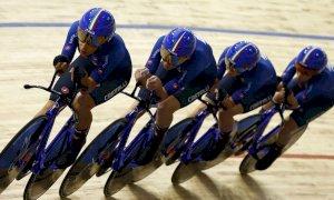 Elisa Balsamo in corsa per l'oro nell'inseguimento ai Mondiali di ciclismo su pista a Roubaix