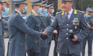 Il comandante interregionale della Guardia di Finanza visita le fiamme gialle di Cuneo