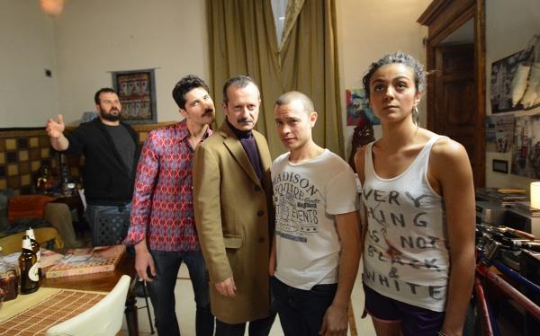 Gli attori, fra cui Rocco Papaleo, durante una delle riprese a Cuneo