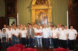Alba: l'Amministrazione comunale ha consegnato una targa al Gruppo Podisti Albesi per i 40 anni di attività